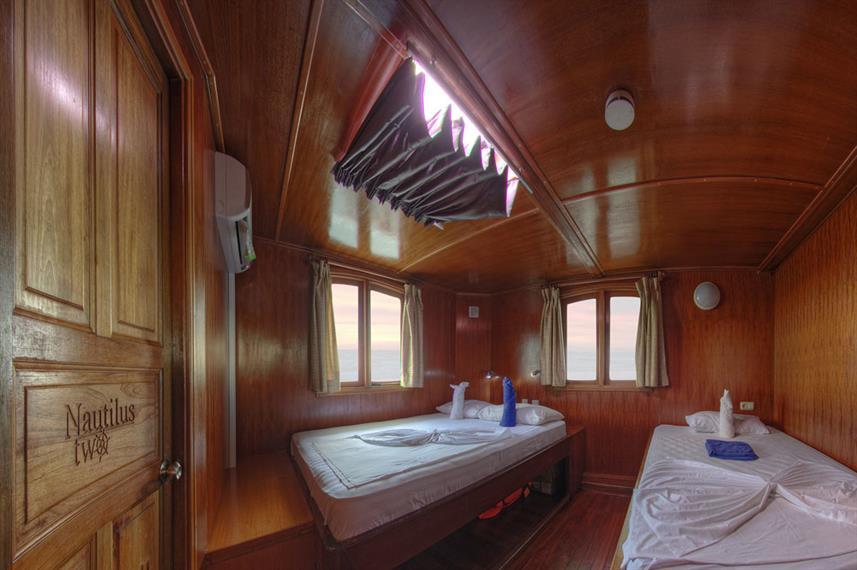 Twin Double Cabin